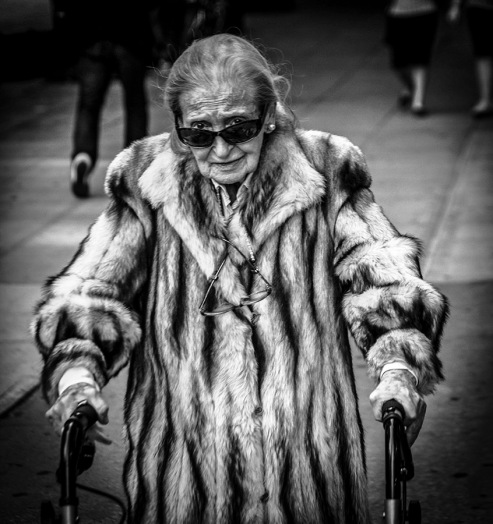 Portrait of old lady in fur - Manhattan