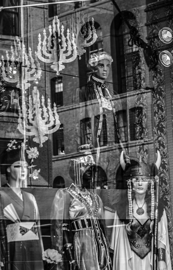 B&W reflections in window display: dummies