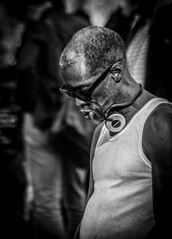 B&W portrait: profile of man with shades